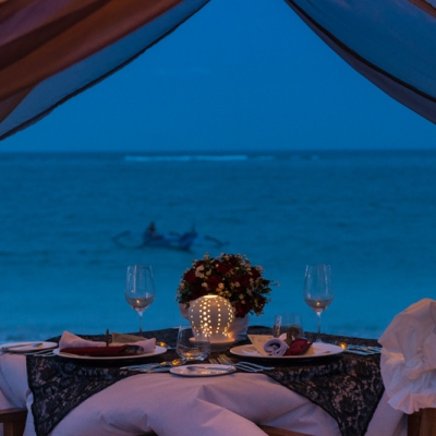 Romantic Relaxed Ambiance Dining
