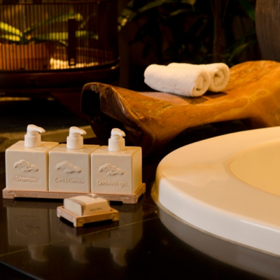 Mega Mendung Bathroom Amenities