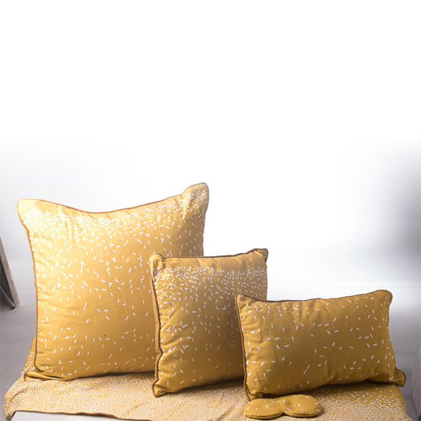 Beras-Wutah-Cushion
