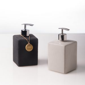 Cube-Bottle-Amenities2